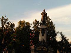 アダム ミツキエヴィッチ像