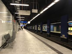フランクフルト中央駅ホーム 何が便利って 空港から電車(12分)で市内に行けるってこと!! しかもフリー切符は空港駅から使える!