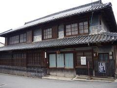 高祖酒造発祥蔵。牛窓には古い建物が残されています。
