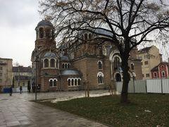 さて、その公園にあるのがこのSveti Sedmochislenitsi教会。