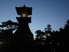 夕食後、敷島館の周りを散策・・・琴平高灯籠は1860年に完成した、高さ27メートルの日本一高い灯籠で、国の重要有形民俗文化財に指定されているそうです。