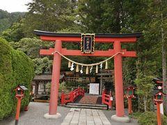温泉街へ入る前に天河大弁財天社を参拝.日本三大弁財天の一つであり,古来より聖地として多くの聖人やアーティストが訪れているとか.