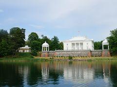 トゥラカイ城見学後ルコス湖のボート遊覧で見た博物館。水面に白亜の殿堂が浮かんでいるのに感動しました。