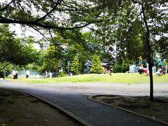 神社の場所も含めて、この「浜町公園」は近くに住んでいるような人の憩いの場になっているようです☆