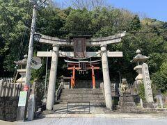 円隆寺の隣にある朝代神社。創建は古く、西暦673年。