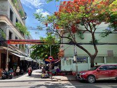 ベトナム ダナン大学の近く。綺麗な色合いと少々のんびりした雰囲気が素敵な街角。2019年8月6日撮影。
