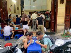 フォー・ザ・チュエン   Pho Gia Truyenベトナム 2019年8月8日のハノイ旅行にて。世界一美味しいフォーを食べたいと思って訪ねたお店です。どのガイドブックにも掲載されていますが、お客さんの半分ぐらいは地元の方でした。絶品でした。