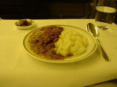 01:00(日本時間03:00) 機内食
