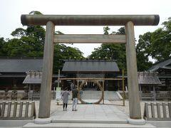 次に向かったのは丹後随一の観光地、天橋立です。 ケーブル乗り場近くの駐車場に車を止めてから元伊勢籠神社を参拝。