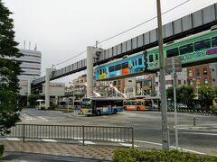 2019.7.23 旅の最終日です。  鎌倉市大船には「湘南モノレール」の駅があります。 懸垂式モノレール。ぶら下がりのモノレールが大船⇔江の島間を走っています。