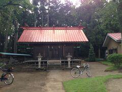 野々宮神社には先客が1人、女性観光客が自転車で来ていました。 もくせい通りにあり道に迷って本来は通らない所だが。 この小さい神社が由緒ある神社とは知らなかった。
