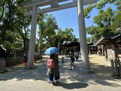 15:01 石切劔箭神社  ここはお百度参りが有名ですが、 この日も多くの方が お百度石の周りをまわって おられました。