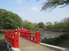 岩槻駅から1㎞ほどのところに拡がる岩槻城址公園。 岩槻城は15世紀後半に建てられた城で、太田氏が城主となったのち、北条氏、豊臣氏、徳川家が支配したという歴史がある城です。江戸時代から幕末まで24代の藩主が治めていました。