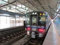 17時37分、終点の福井駅に到着。 写真は、敦賀から福井まで乗車した521系の普通電車。