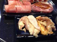 中山國小駅の天外天。 ランチタイムを少しはずして来ました、焼肉食べ放題!