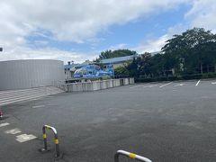日田インターから約30分甘木に。なんか晴れてきました。。。大乃洗平和記念館到着。ヘリコプターがありました。
