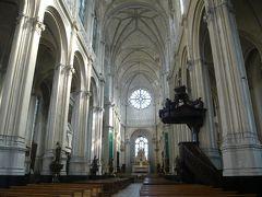 聖カトリーヌ教会。 人がほとんどおらず、静寂に包まれていました。