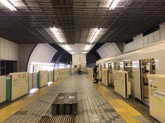 真駒内到着  地上に出ても線路は全区間シェルターで覆われている。