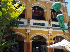 人気のレストラン「モーニング グローリー」  今日の夜はここで食べる予定なので、今のうちに予約をしておきましょう。