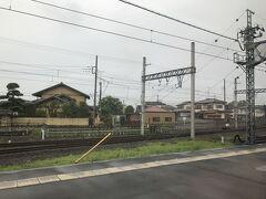 羽生駅を通過します。秩父鉄道の列車は不在でした。