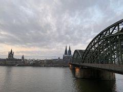 朝のホーエンツォレルン橋