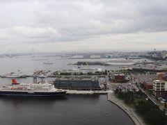 右は横浜港から東京湾。 インターコンチネンタル横浜Pier8、にっぽん丸、横浜ベイブリッジなど。