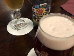 ベルジアン ブラッスリーコート ルーヴェン   ベルギーの正統派のビアカフェ!  本ベルギー料理とベルギービールのビアカフェに入りました!  夜は極上の樽生ビールが飲めるとのことで    totoはステラアルトワ 生樽 キレのどごしが特徴のプレミアムラガービール  私はチェリーを発酵させて作ったというビールすごくフルーティ! 甘いビール ベルビュークリーク 生樽 伝統的な自然発酵ビールにチェリーを漬け込み樽で熟成させたビール ルビー色がジュース感を醸し出してます!  私は甘く感じてちょっと苦手でした(°▽°)  ジュースのように甘かった~