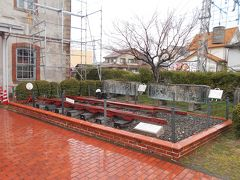 JR北陸本線長浜駅より徒歩約5分の長浜鉄道スクエアです。