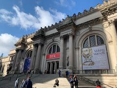 メトロでThe Metへ。ゴシップガールを思い出します。 Hello Met, here I come!  この日はBank of AmericaのMuseum on Usの日でBofAのATMかクレカ提示で入場料無料