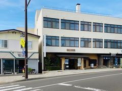 今回、松前での宿はこちら「温泉旅館 矢野」。 函館などと違って、小さい町なので外食できる店も少なかろうと食事付の旅館を探しました。  聞くと、松前で一番の歴史をもつ旅館らしい。