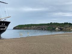 前方に見えるのはかもめ島。 人気の観光スポットの一つだそうですが、雨もパラパラ来はじめ、ここから眺めるだけでした。