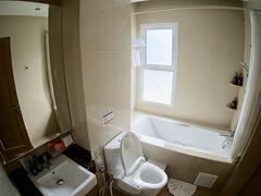 【ー Vレジデンスホテル、プロンポン駅前 ー】  上階の部屋にグレードアップしてくれました。