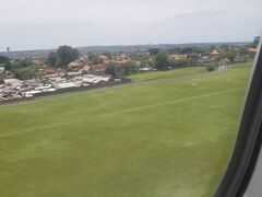 こちら側から着陸したのは初めてでした。 メルボルンとは3時間の時差です。