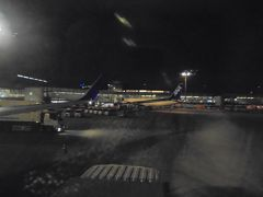 羽田空港 ほぼ定刻に到着しました。