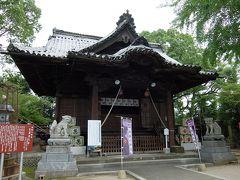 応神天皇を奉っているそうです。 こちらの拝殿は明治の建造ですが、本殿は1857年、正門は1841年の建築。