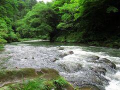 鶴仙渓は山中温泉の温泉街に沿って流れる大聖寺川の渓谷です。コロナでストレスを感じずにはいられない日常から、少し離れることができました。
