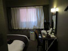 シルクイン鹿児島  部屋は広くありませんが、ビジネスホテルなんでこんなもん。清掃も行き届いていて快適に過ごせました。