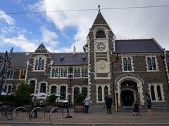かっこいいゴシック調の建物が並んでいて、昔はカンタベリー大学の校舎として使われていたそうです。  工芸所やカフェ、お土産なども売っているそうで、ここも時間があれば見学したかった!
