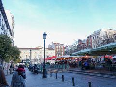 街歩きをしつつサンタ アナ広場へ。 美味しいバルがひしめき合う広場らしい。