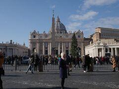 サンタンジェロ城を後にヴァチカン・サンピエトロ大聖堂へ移動します。