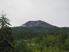 おーっ、旭岳が一望。ナイスビューじゃないですか。となれば…、
