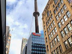 まずは、309mの高さを誇るシドニータワー。 これより高い建物を建ててはいけないらしい。