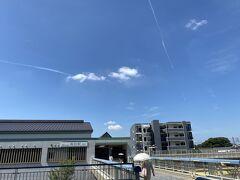 今日もどえりゃあ暑いでかんわぁ。。。(名古屋弁 今日もとても暑くてたまらないなぁ)スタートはいつもの郊外の駅です。。。。