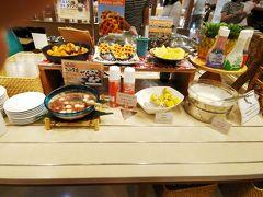 メニューは、スタンダードなものはもちろん沖縄料理(紅芋パンやジューシィ・八重山そばにゴーヤチャンプルー等々)が充実していました!