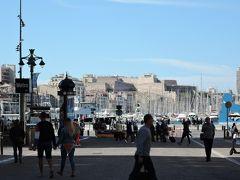 旧港に出ました。 この後港の周りをぐるっと歩きます。2019年10月マルセイユ旅行2に続きます。