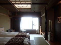 …ということで、この日の宿泊は、すぐ近くの「あかん湖鶴雅ウイングス」さん(^_^) 2日続けて鶴雅グループのお宿(^^ゞ 部屋は畳敷きツインで…