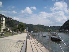 ザンクト・ゴアルスハウゼン 船着き場近くのカフェで休憩しました。