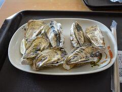 有名な焼き牡蠣も食べていこう。陳家蚵捲で焼き牡蠣。NTD100(約370円) ちょっと小ぶりやけど美味しかった。