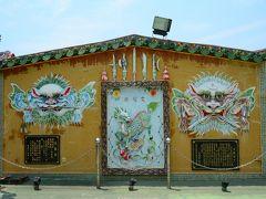安北路121巷あたりをブラブラしていると、素晴らしい剣獅子の壁画を発見。海頭社文龍殿という寺院らしい。