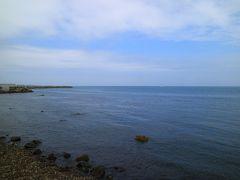 しかべ間歇泉公園から眺める内浦湾  海の向こう側には、雲で霞む室蘭が見える。
